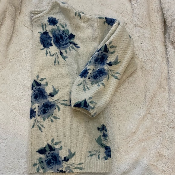 Knox Rose Sweaters - Blue floral Sweater